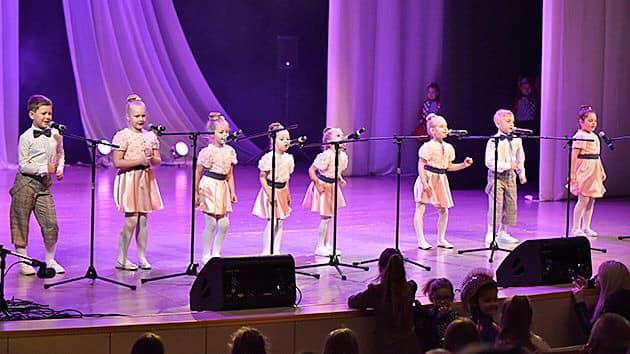 """Mažeikių rajono dainų, muzikos ir šokių festivalis """"Būk matomas"""""""